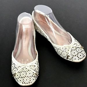 Pretty Romantic Leather Cut Out Flats